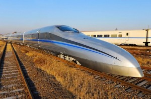 中国高铁:时速500试验车下线(China Unveils Super Speed Train CIT500)