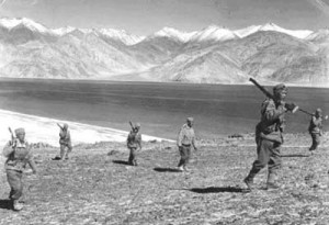 印度人看1962年中印战争:中印战争期间印度士兵正在行军