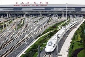 印度人看中国高铁:上海虹桥高铁站