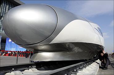 印度人看中国高铁:中国高铁如何助力经济