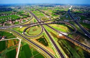 印度人在中国的经历:中国纵横交错的立交桥