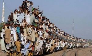 印度人在中国的经历:印度火车与中国高铁