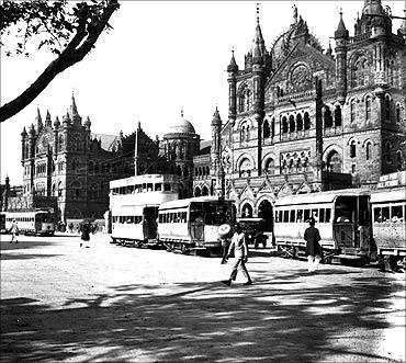 忘记上海:印度孟买维多利亚火车站(Victoria Railway Station)