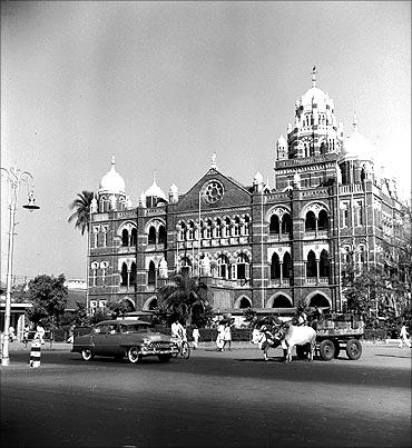 印度人看上海:上海和孟买:孟买中央电话大厦