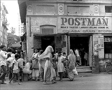 印度人看上海和孟买:印度孟买的一家干货店