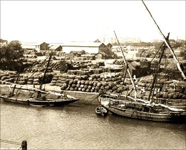 印度人看上海:印度孟买的一个码头(Cotton Green)