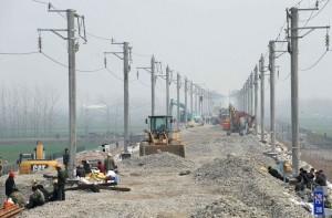 印度人看中国高铁:暴雨导致汉宜高铁潜江段部分路基塌陷