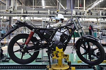 印度人:印度的摩托车生产线