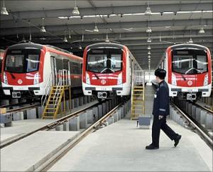 印度人看中国基础设施:中国地铁列车