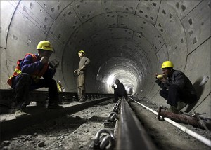 印度人眼中的中国武汉地铁:武汉地铁施工人员