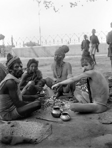 印度加尔各答百年历史照片,加尔各答的苦行僧