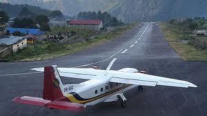尼泊尔飞机坠毁,11名印度人丧生