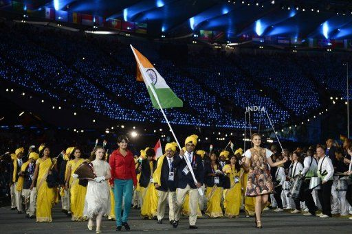 神秘女开幕式随行入场 印度代表团:根本不认识