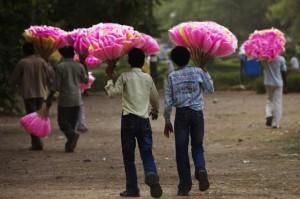 新德里的商贩在卖棉花糖