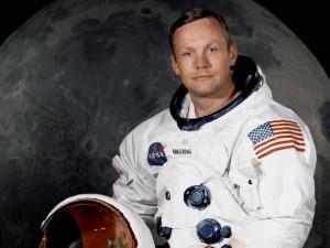 人类首位登月宇航员阿姆斯特朗