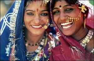 印度女人佩戴黄金首饰