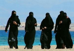 """沙特计划打造""""女儿国"""",为女性出门创造工作机会"""