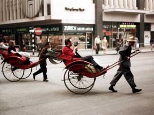 香港40年前的主要交通方式——人力车