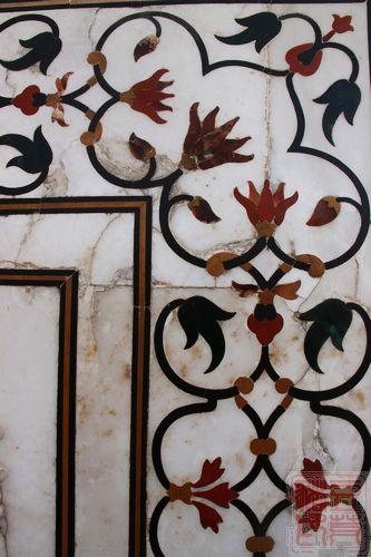 泰姬陵建筑内标志性的装饰花纹