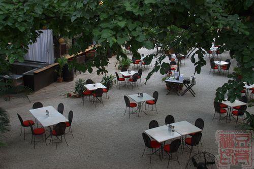 一念地狱,一念天堂 印度行(一)初到德里    花园餐厅