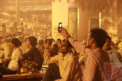 一念地狱,一念天堂 印度行(二)瓦拉纳西 顺便插一句,阿三哥都很爱中国手机