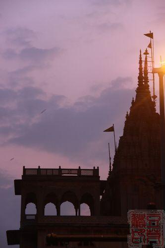 一念地狱,一念天堂 印度行(二)瓦拉纳西  夜幕降临