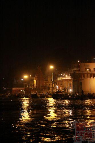 一念地狱,一念天堂 印度行(二)瓦拉纳西 坐船去看祭祀