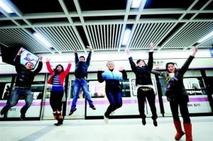 """武汉地铁2号线一期工程12月28日开通运营,这是江城迈入""""地铁时代""""的动人序曲。"""