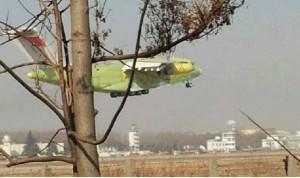 中国成功试飞运20大型运输机