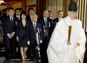 日本议会168名议员参拜靖国神社